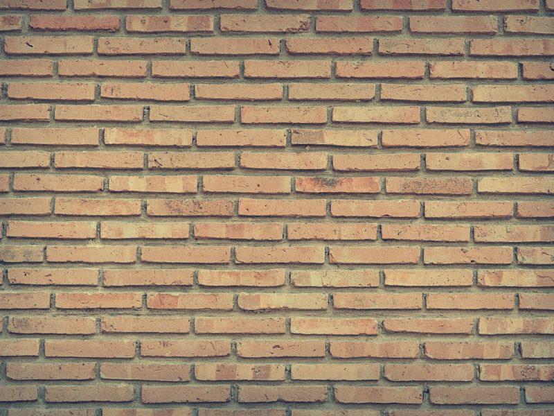 Få 3 tilbud på omfugning af mur